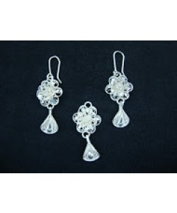 Flower and Drop Pendant Set