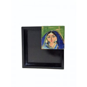 Village Girl Napkin Holder